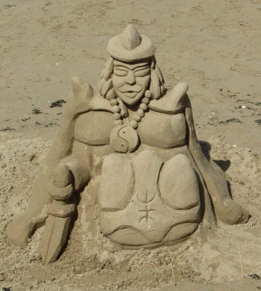 Sculpture sur le sable
